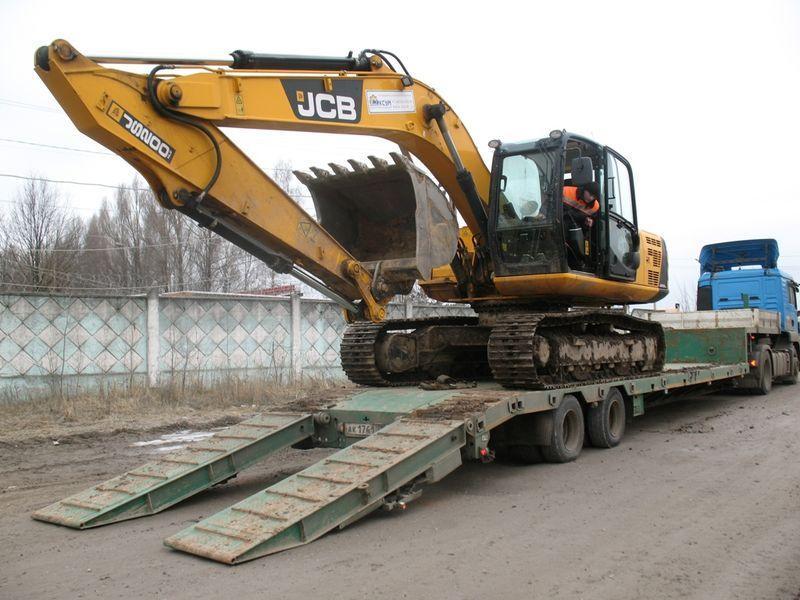 Гусеничный экскаватор JCB JS200