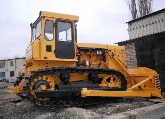 Гусеничный бульдозер ЧТЗ  Т-170